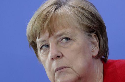 Merkel und Grütters versprechen weitere Hilfen