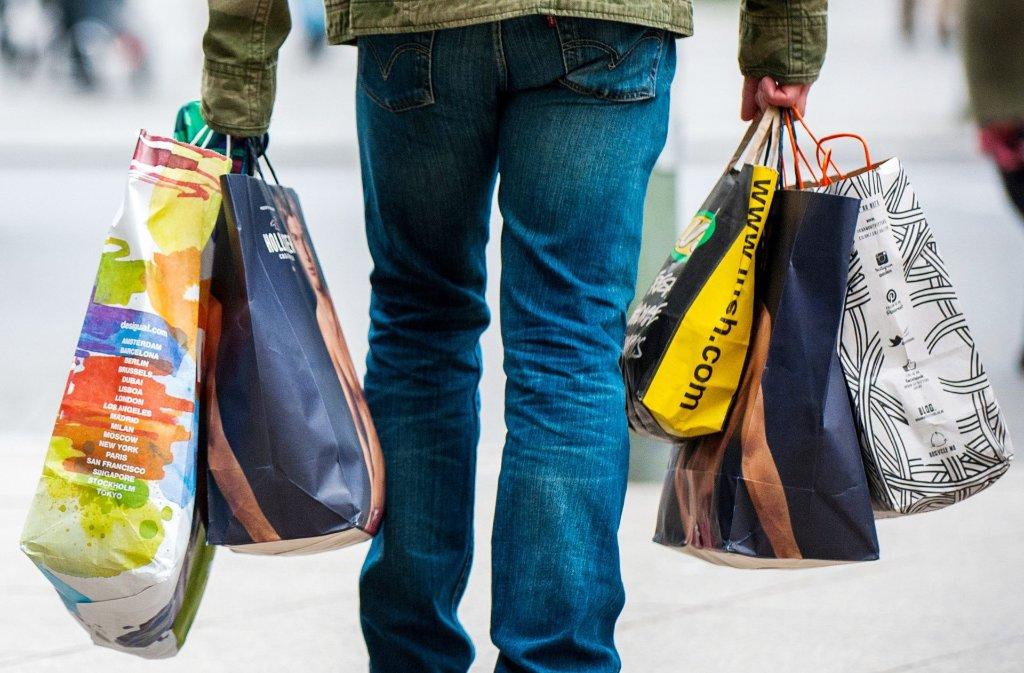 Lust auf ausgiebiges Shoppen? Dann ist Sonntag der richtige Tag dafür! Foto: dpa