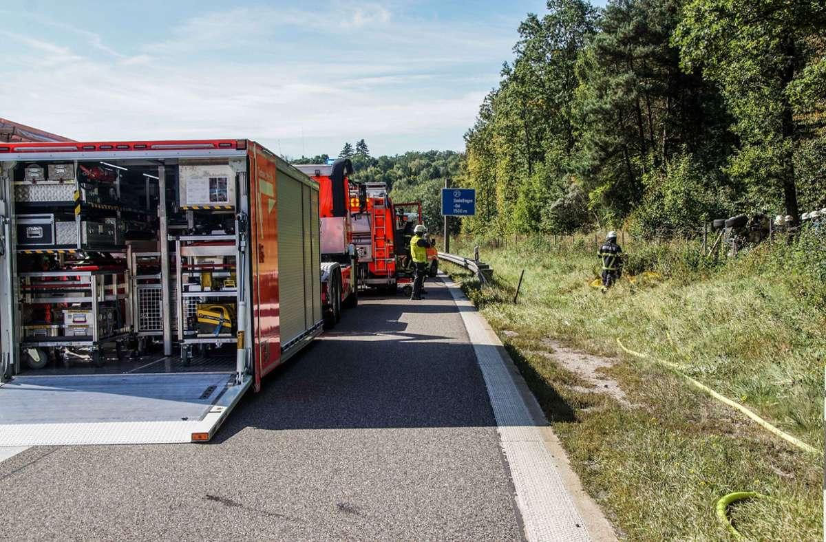 Aus noch ungeklärter Ursache kam das Auto des 52-jährigen Fahrers von der Fahrbahn ab. Foto: SDMG/Dettenmeyer