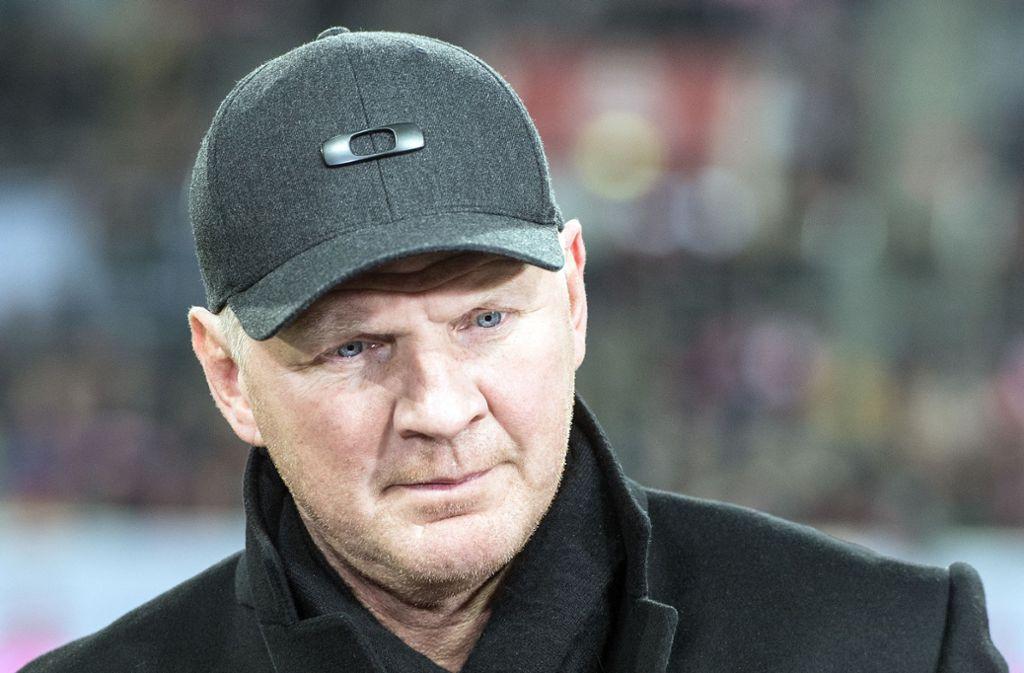 Stefan Effenberg hat sich zur Trainersuche bei Schalke 04 geäußert. (Archivbild) Foto: dpa