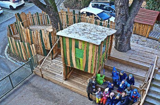 Die Kinder lieben den Kastanienhügel