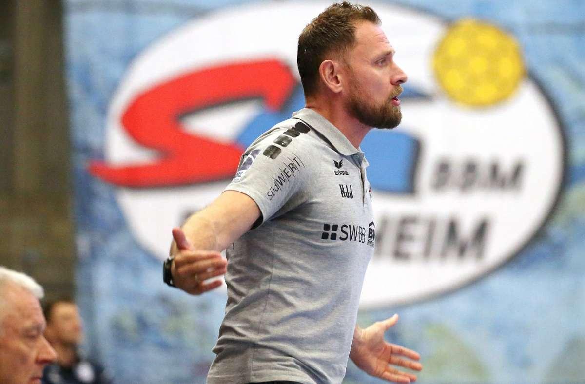 Sieht sein Team unten den Top Vier der Zweiten Handball-Bundesliga: Hannes Jon Jonsson, Trainer der SG BBM Bietigheim. Foto: Baumann