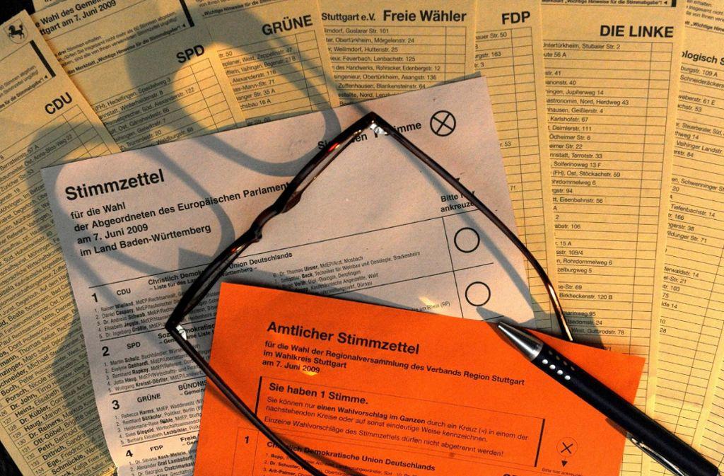 Die Stimmzettel bei der Kommunalwahl sind äußerst umfangreich. Doch wie kommen die Listen zustande? Foto: dpa