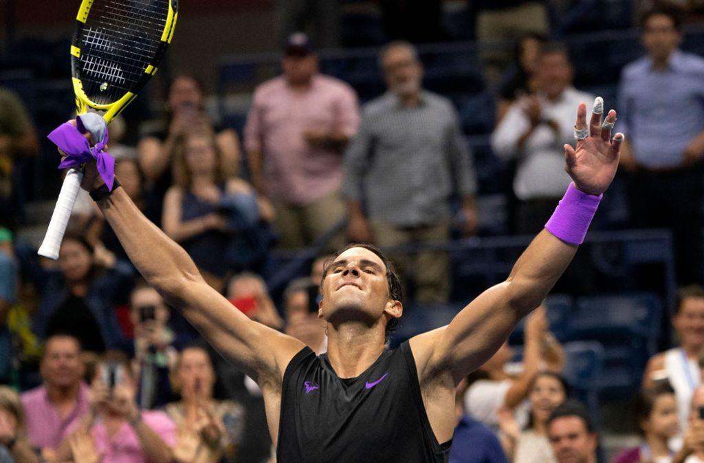 Nach fast fünf Stunden hat es Rafael Nadal geschafft: Zum vierten Mal gewinnt der Spanier die US Open. Foto: AFP