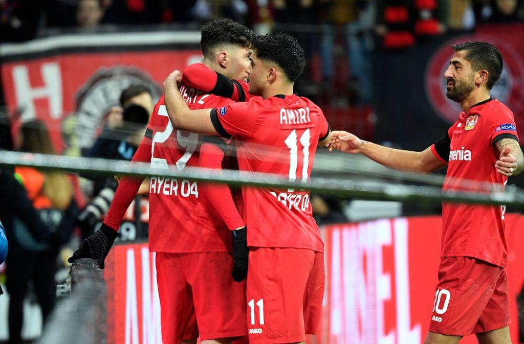 Kai Havertz (links) traf zum 2:0 für Bayer. Foto: AFP/INA FASSBENDER