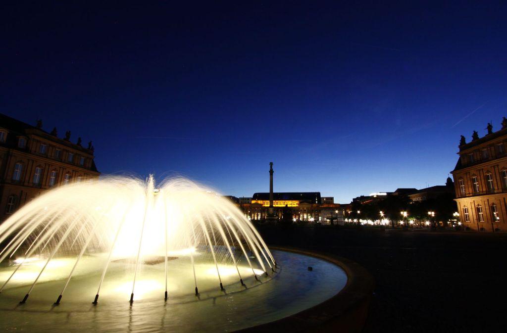 Auch den Stuttgarter Schlossplatz bei Nacht hat Matthias Kaiser mit seiner Spiegelreflexkamera abgelichtet. Foto: Matthias Kaiser