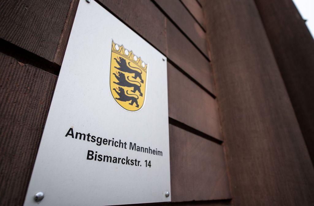 Vor dem Amtsgericht Mannheim wird der Fall eines mutmaßlich misshandelten Pflegekindes verhandelt. Foto: dpa