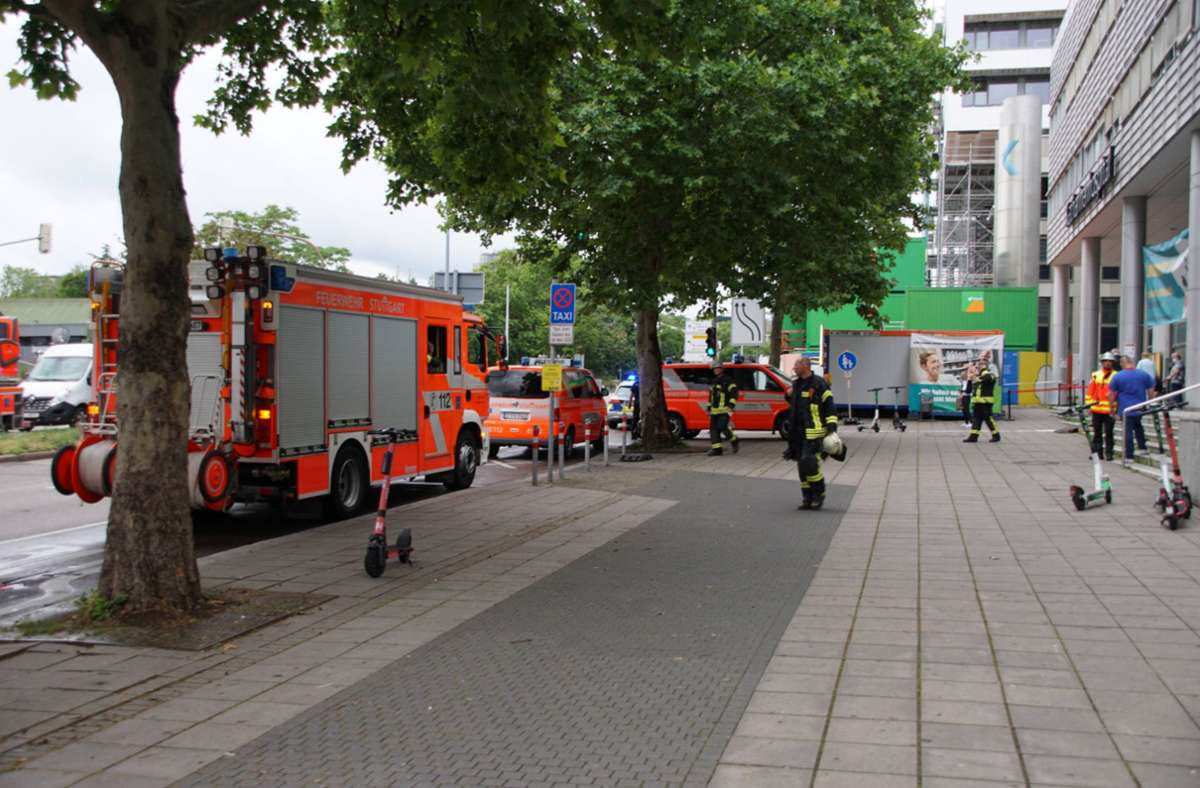 Die Feuerwehr wurde am Donnerstagvormittag zu einem Einsatz ins Klinikum Stuttgart gerufen. Foto: 7aktuell.de/Andreas Werner