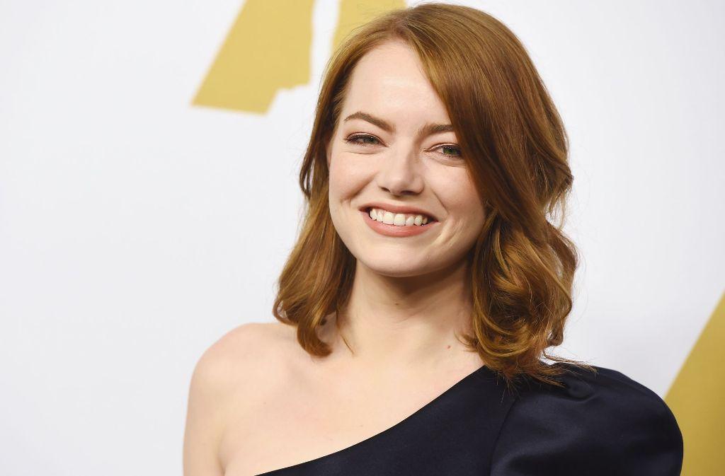 """Die strahlende Oscar-Anwärterin Emma Stone kam nicht ohne ihren Partner aus """"La La Land"""", Ryan Gosling, zu dem Lunch. Foto: Getty"""