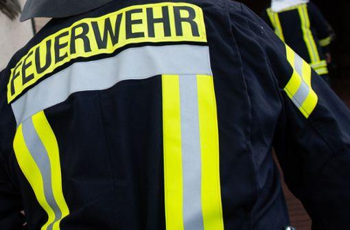 Waldbrand bei Pforzheim – Enztalbahn gesperrt