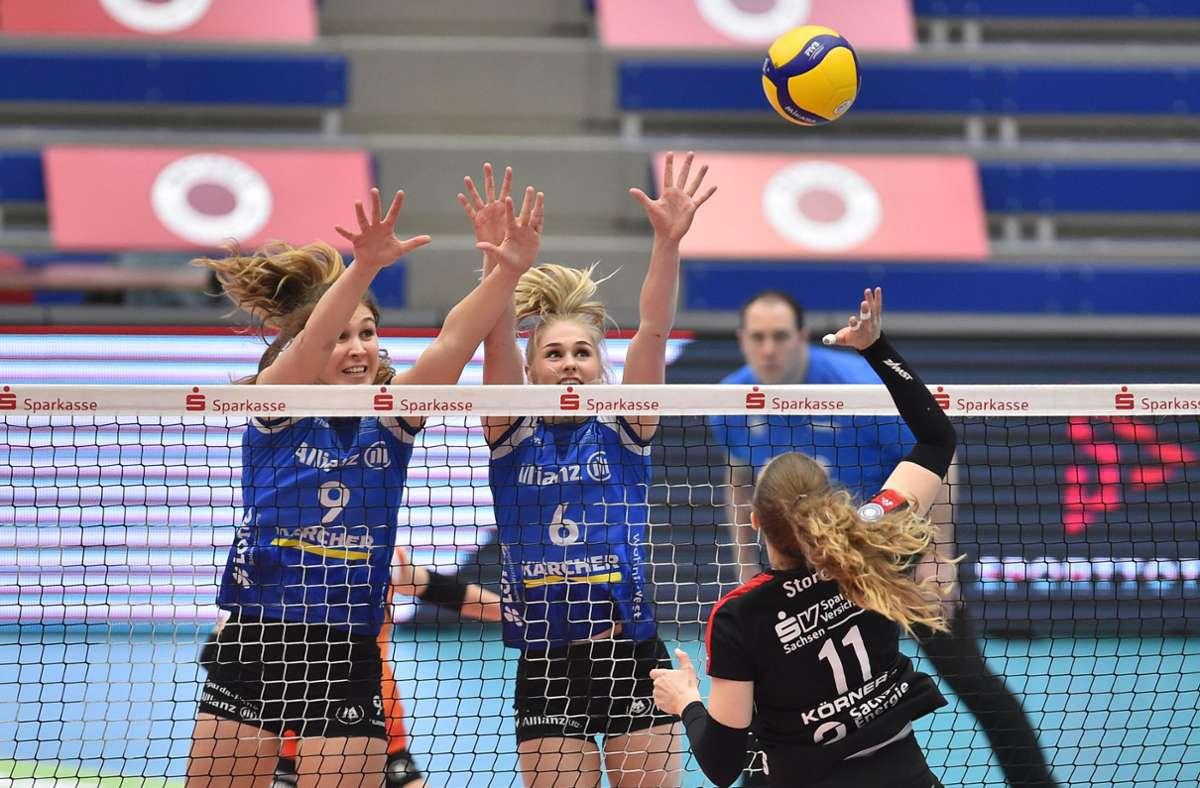 Die Teams standen sich nach 2015 und 2016 zum dritten Mal in einer Finalserie gegenüber. Foto: dpa/Matthias Rietschel
