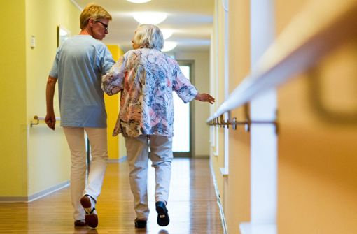 Noch kein flächendeckender Bonus für Pflegekräfte