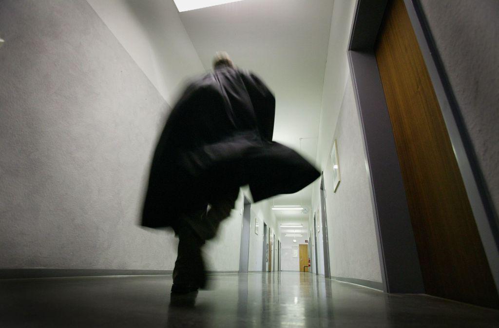 Amtsrichterin Dotzauer muss bei der Verhandlung vor dem Waiblinger Amtsgericht öfters schlucken. Foto: Stoppel