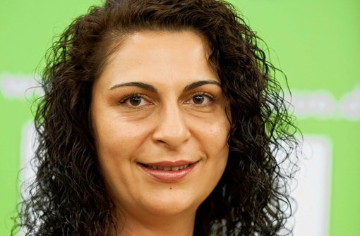 Sakine Sulu ist eine, die ihre Stuttgarter Landsleute über Umweltschutz informiert. Foto: Martin Stolberg