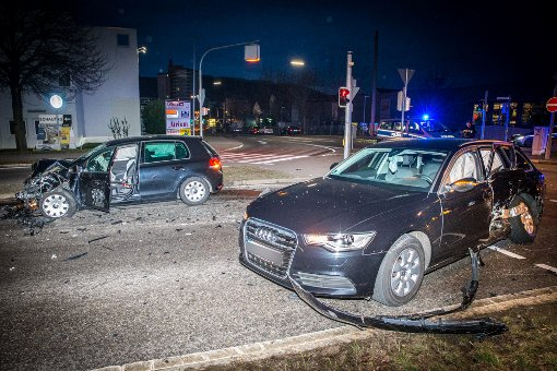 21-Jähriger verursacht schweren Unfall und flüchtet