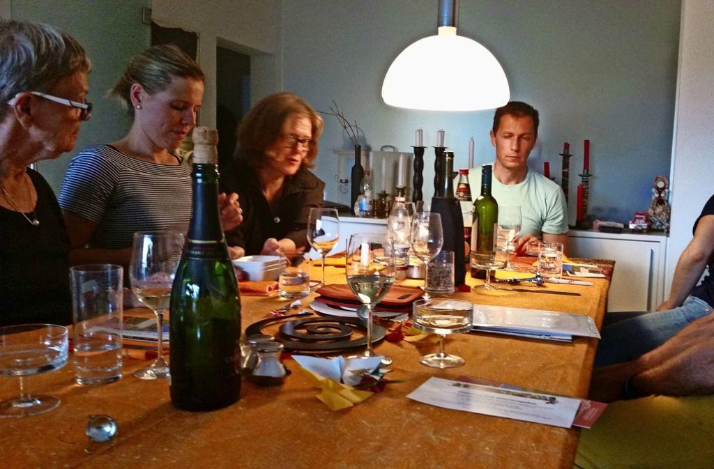 Die Kochgruppe fünf des Projektes Salz und Suppe stammt aus Degerloch  und Stuttgart-Süd. Foto: Nina  Ayerle