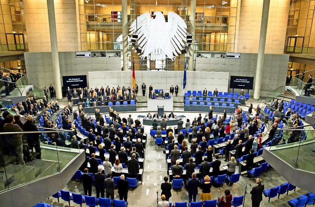 Die Bundestagsabgeordneten können während der Debatten beobachtete werden. In Kommunalparlamenten gibt es das bis jetzt kaum. Foto: dpa