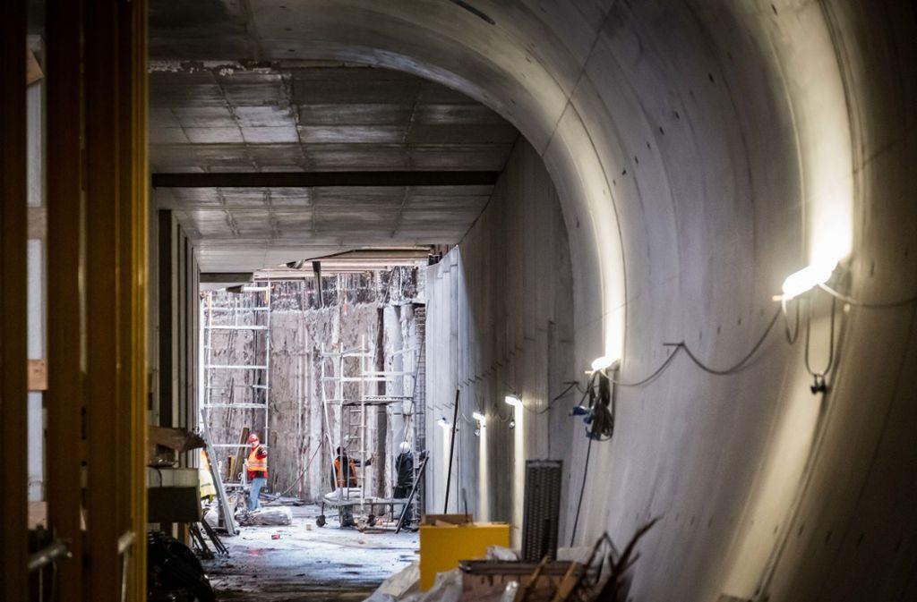 Die Arbeiten an der neuen Haltestelle Staatsgalerie in Stuttgart sollen 2020 abgeschlossen sein. Foto:
