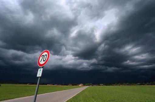 Wetterdienst warnt vor heftigen Gewittern am Abend