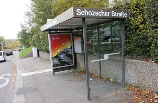 SSB lässt Sitzbank wegen Obdachlosen abmontieren