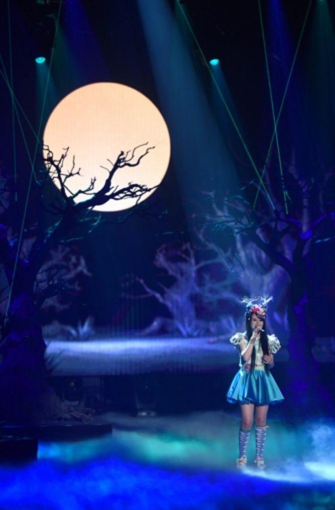 """Die 17-jährige aus Springe bei Hannover setzte sich am Donnerstagabend mit ihrem Song """"Ghost"""" beim nationalen Vorentscheid des populären Gesangswettbewerbs in Köln gegen neun Konkurrenten durch. Foto: dpa"""