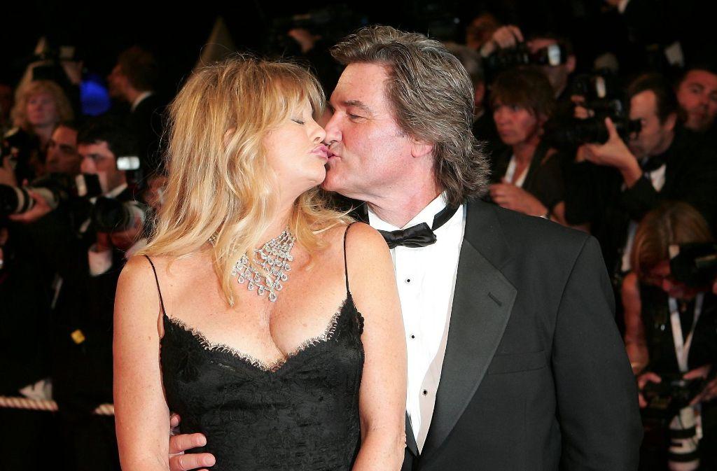 Es gibt sie auch in Hollywood: die große, lang anhaltende Liebe. Das Schauspieler-Paar Goldie Hawn und Kurt Russell ist der lebende Beweis dafür. Seit 1983 sind sie zusammen – allerdings ohne Trauschein. Foto: dpa