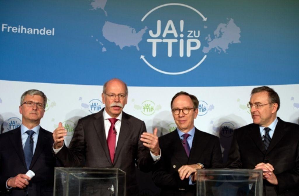 Die deutsche Automobilindustrie setzt sich mit aller Macht für das geplante transatlantische Freihandelsabkommen TTIP ein. Foto: dpa