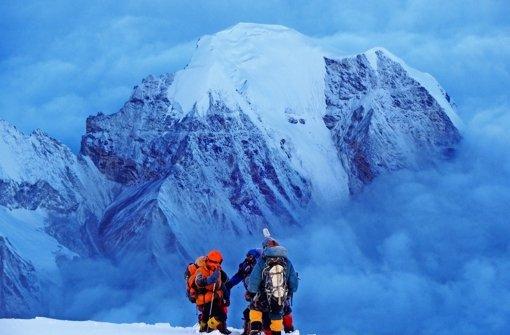 Auf dem Weg zum 8027 Meter hohen Cho Oyu. Bald schnallt sich Heidi Sand wieder die Steigeisen um. Das Ziel ist dieses Mal der Gipfel des Makalu (8485 Meter). Foto: Heidi Sand/z