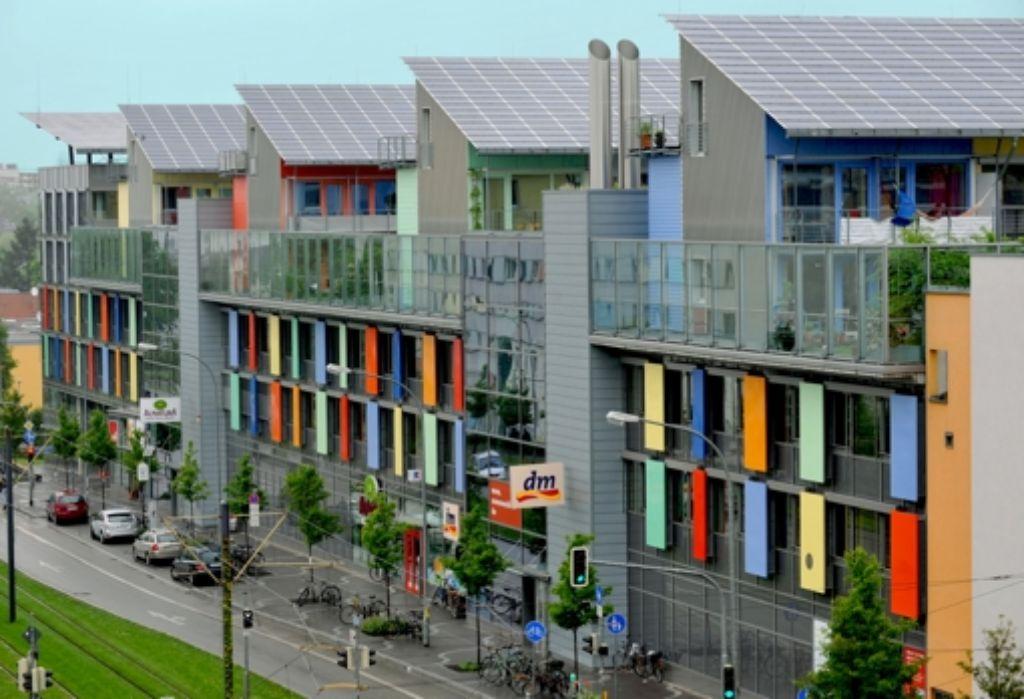 Ist das Wohnen in der Stadt bald nur noch etwas für Vermögende? Die Mietpreisbremse soll dem durch den Wohnungsmangel bedingten Kostenanstieg entgegen wirken. Foto: dpa