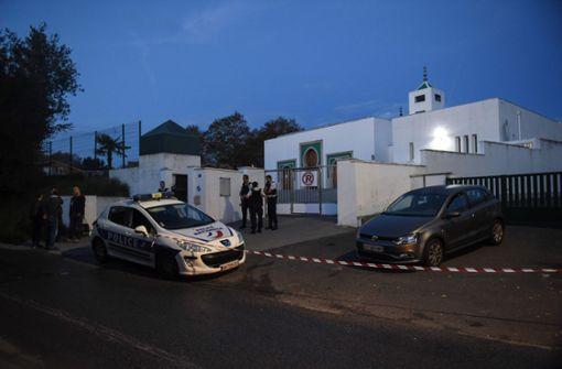 84-Jähriger schießt in Moschee um sich