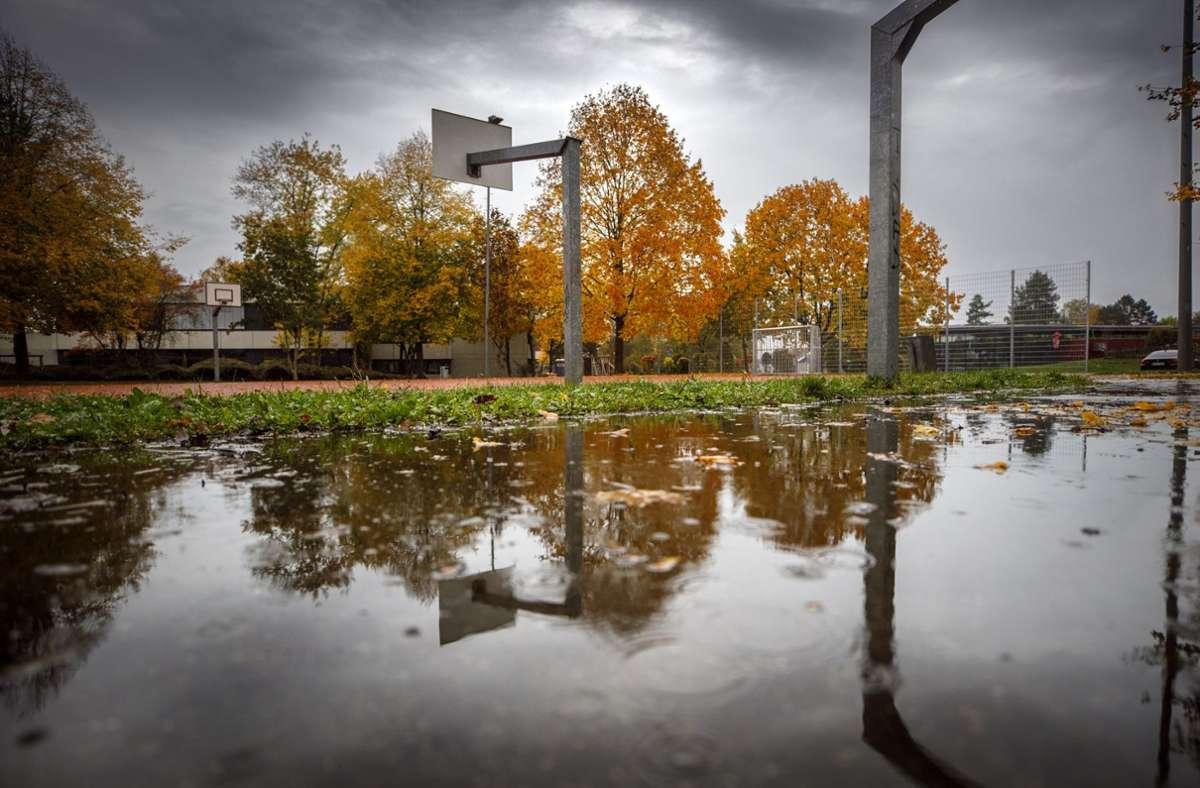 Am Schulgelände Benzach soll das neue Bad entstehen. Foto: Gottfried Stoppel