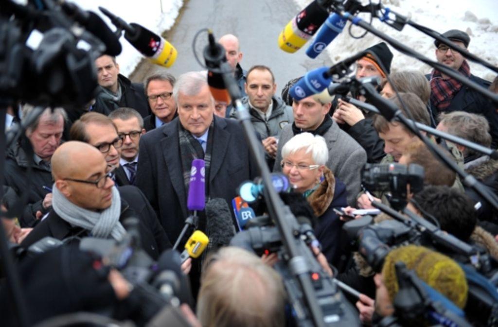 CSU-Chef Horst Seehofer: irgendwie immer im Mittelpunkt. Foto: dpa