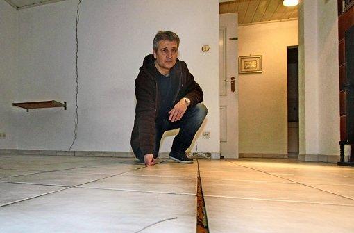 Im Wohnzimmer der La Marras reißt der Fußboden auf.i Foto: factum/Bach