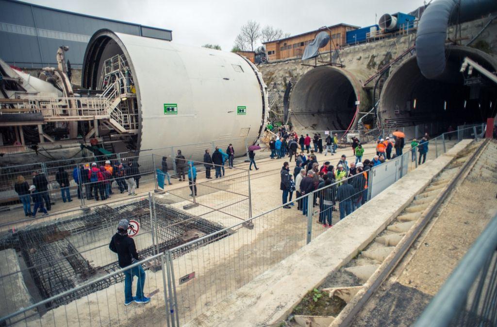 Vor allem die große Tunnelbohrmaschine hat die Besucher der Filder-Tunnel-Baustelle fasziniert. Foto: 7aktuell.de/Gerlach