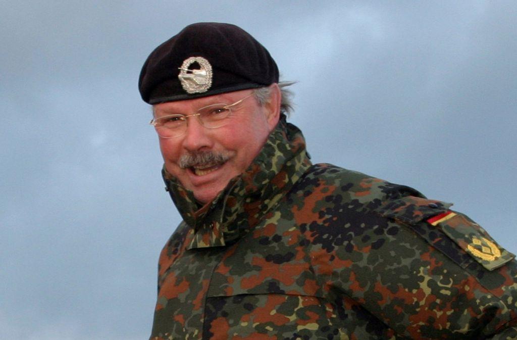Christian Trull – hier ein Archivbild aus seiner aktiven Zeit als Offizier  – hat in der Bundeswehr viele Verwendungen durchlaufen. Unter anderem war er Divisionskommandeur und Leiter der Panzertruppenschule in Munster. Foto: nexus111/Wikipedia