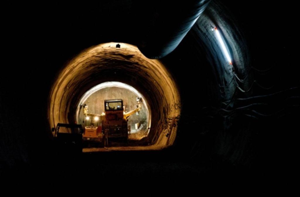 Im Tunnelbau unter Wangen setzt die Bahn auf Bagger und auf Sprengungen. Foto: Lichtgut/Volker Hoschek