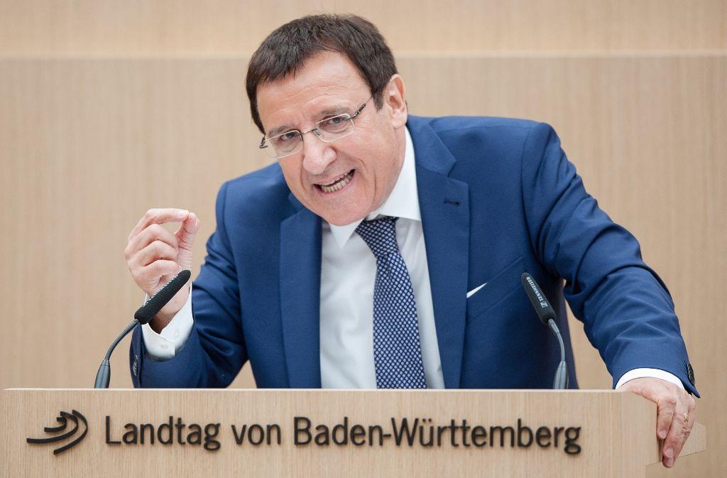 Wolfgang Reinhart, der CDU-Fraktionschef,  hat mit seinen Bemerkungen zur Schulpolitik den Ärger der Grünen auf sich gezogen. Foto: dpa
