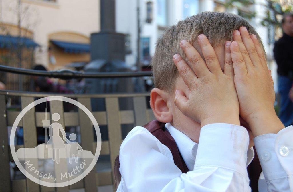 Kinder im schicken Restaurant oder im klassischen Konzert? Oft langweilig für den Nachwuchs! Kinder müssen nicht überall hin mit, sagt unsere Autorin Lisa Welzhofer. Foto: Pixabay