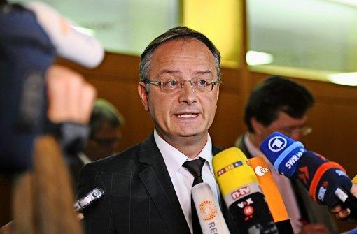 Kultusminister Stoch verklagt die FAZ