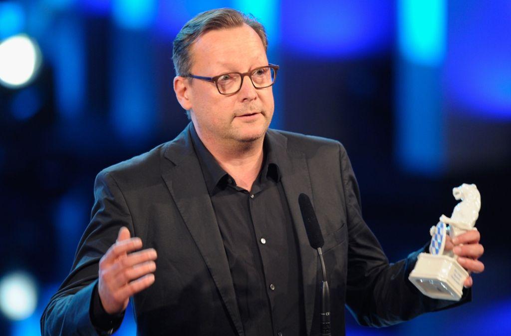 Matthias Brandt bei der Entgegennahme des bayrischen Filmpreises – jetzt ist der Fernsehstar aber auch unter die Autoren gegangen. Foto: Getty Images Europe