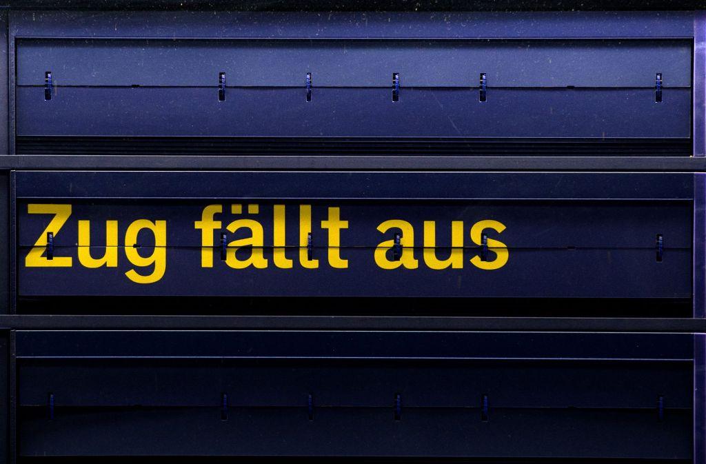 Drohen schon wieder Streiks bei der Deutschen Bahn? Die Gewerkschaft EVG droht damit... Foto: dpa-Zentralbild