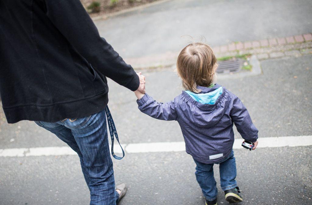 Der Staat zahlt den Unterhaltsvorschuss, wenn ein Elternteil den Verpflichtungen nicht nachkommt. (Symbolfoto) Foto: dpa