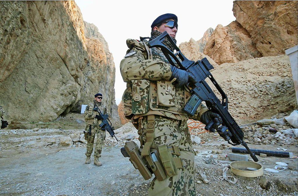 Deutsche Soldaten in Afghanistan sind ohne Unterstützung  Unterstützung von einheimischen Mitarbeitern aufgeschmissen. Foto: dpa/Martin Staudinger