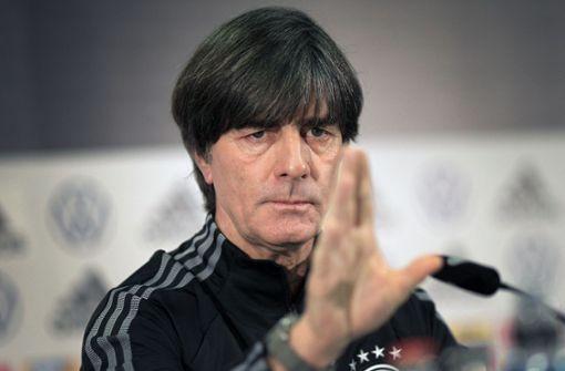 Bundestrainer Löw ruft Fans zur Vernunft auf