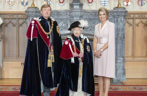 Queen holt Willem-Alexander und Felipe in exklusiven Club