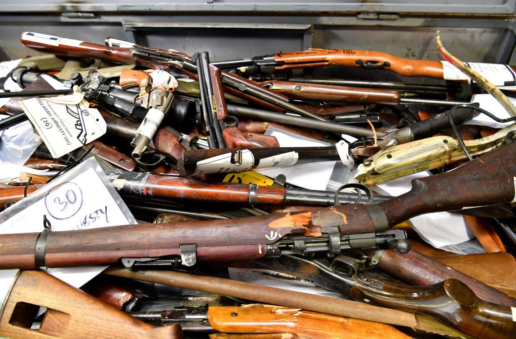 Noch bis 1. Juli 2018 können Besitzer von illegalen Waffen diese straffrei bei der Waffenbehörde des Amts für öffentliche Ordnung abgeben. (Symbolbild) Foto: AAP