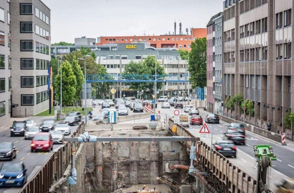 17. Baustellen, Sperrungen, dröhnende Motoren: Vielen Stuttgartern macht die Lärmbelastung in der Stadt zu schaffen. Vor allem der Lärm an den vielen Hauptverkehrsachsen zerrt an den Nerven. Und das Kernerviertel steht aufrecht in den Betten, wenn für Stuttgart 21 nachts gebohrt wird. Foto: Lichtgut