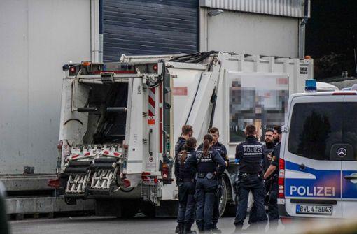 Müllentsorgungsfirma im Kreis Esslingen durchsucht