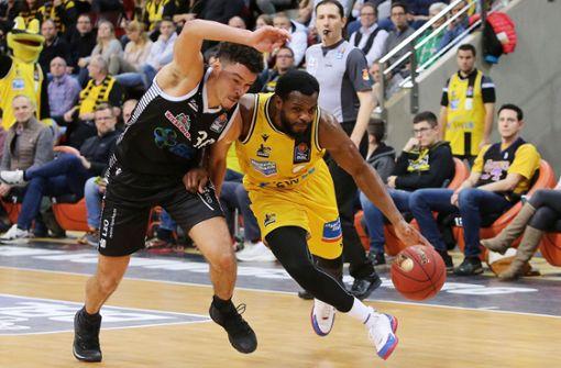 Alexander Reil rechtfertigt die geplanten Basketball-Spiele