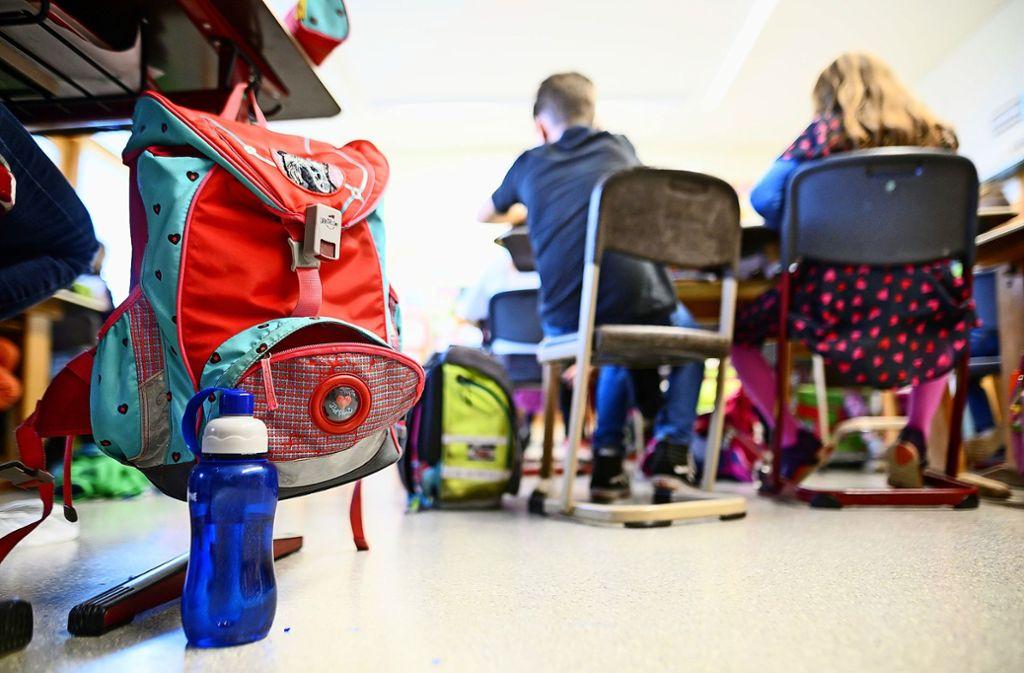 Häufig macht sich eine ADHS erst in der Schule bemerkbar. Beim Verdacht auf die Störung sind ein ausführliches Gespräch und eine körperliche Untersuchung wichtig. Foto: dpa/Sebastian Gollnow